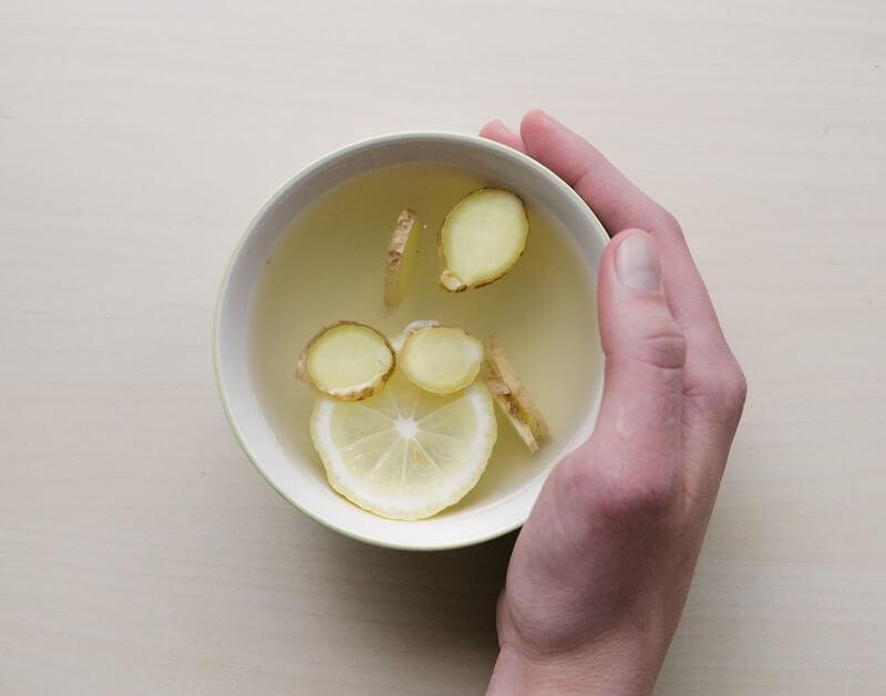 warm detox drinks ginger lemon honey